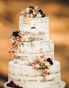 Delightful Rustic Wedding Cake